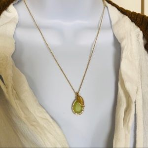 Jewelry - New Necklace, Short and Delicate With Jade Pendant